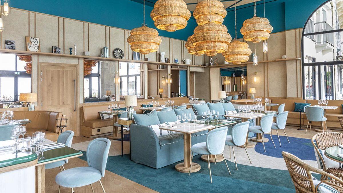 Maison Sarah Lavoine sublime le mythique Café de Paris de Biarritz