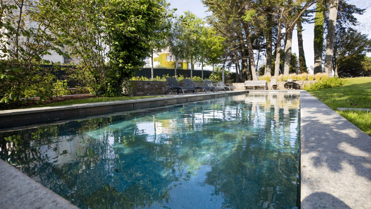 Comment bien hiverner sa piscine ?