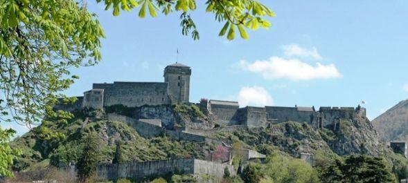 Château fort de Lourdes à visiter en famille pendant les vacances