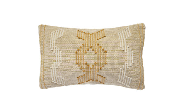Coussin rectangulaire brodé. Muy Mucho, 13,99€