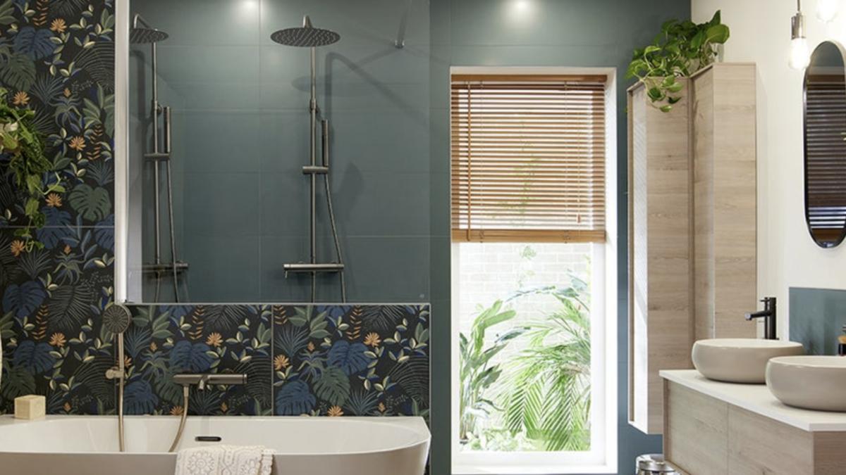 Une salle de bains chic, ambiance tropicale