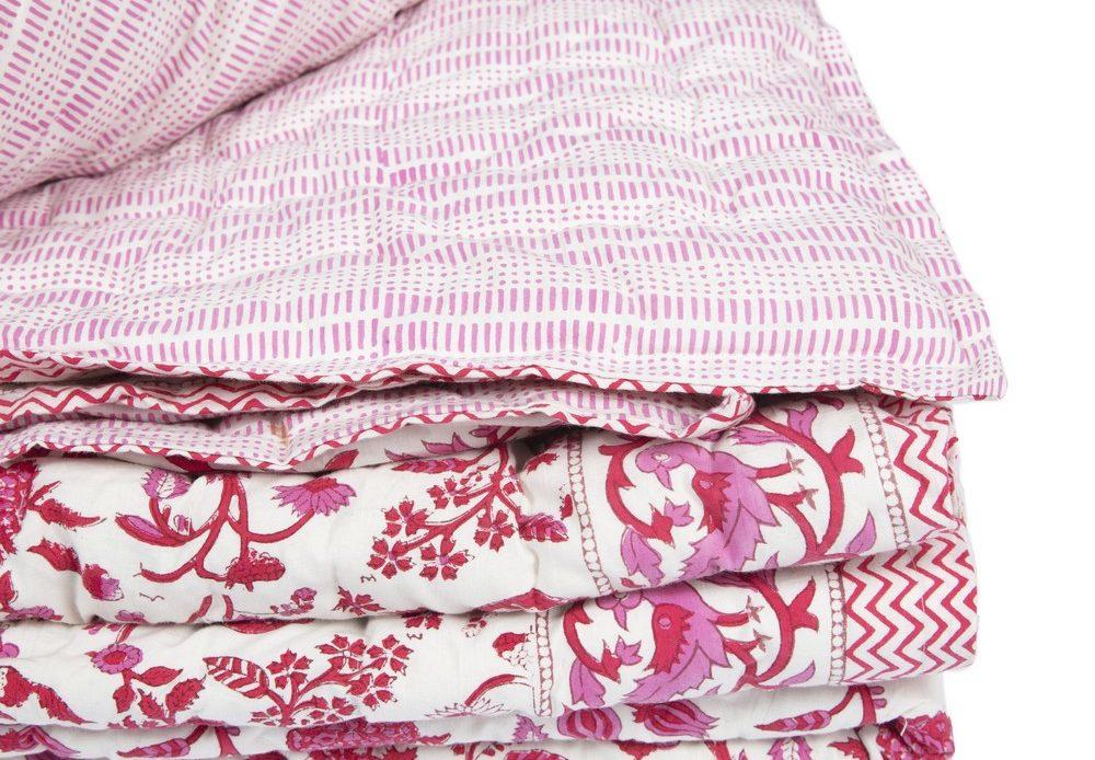 BRAI couvre lit rose