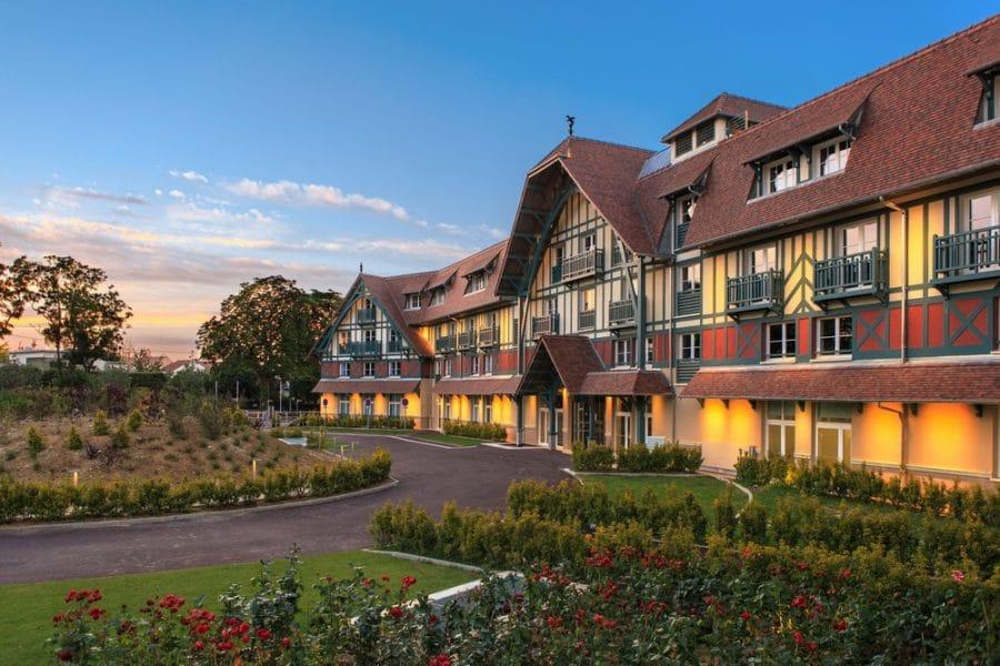 Hôtel Renaissance: un écrin de douceur et de luxe proche de Paris