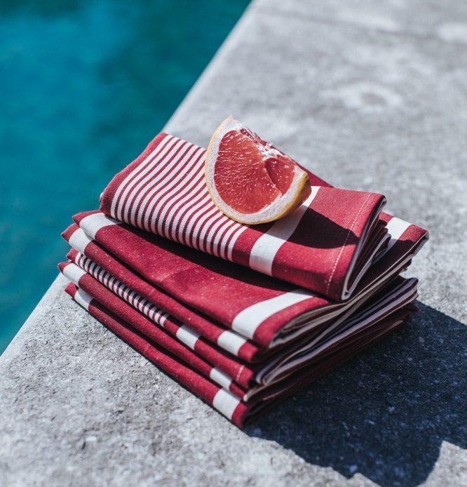 Collection Yvonne rouge, serviette en métis coton et lin - 10€pièce