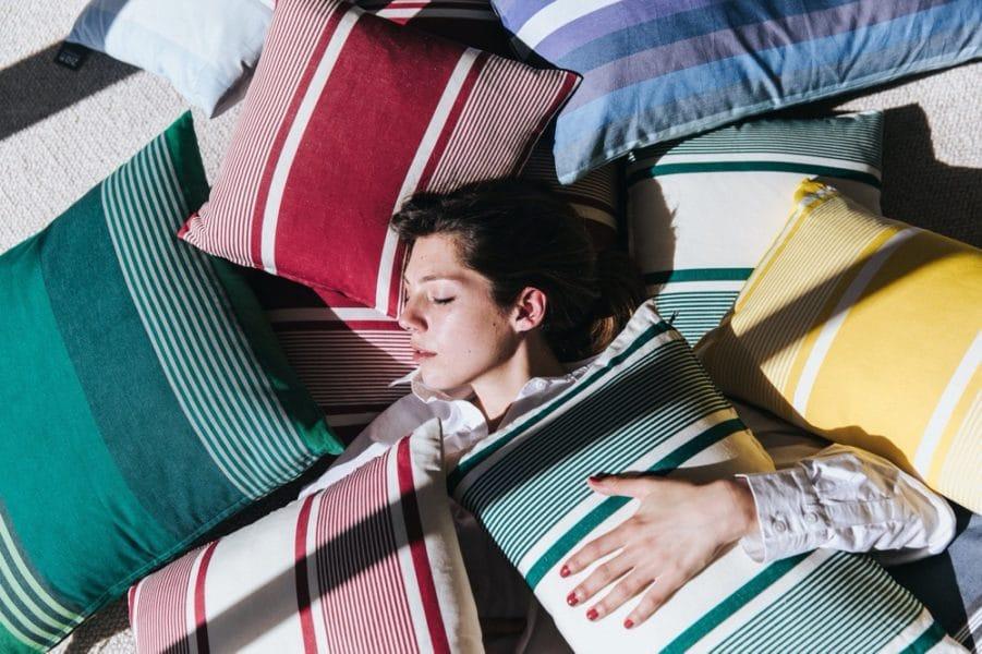 Collection de coussins Tissage de Luz. Disponibles en format carré ou rectangle, 5 tailles au total