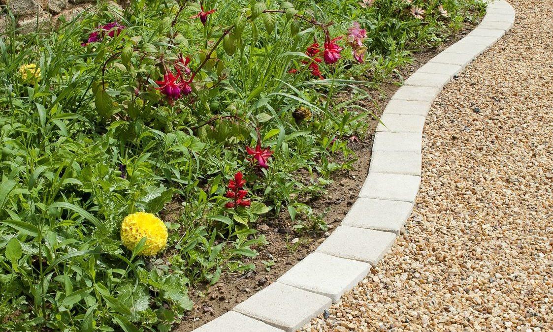 3 idées pour créer des bordures dans son jardin