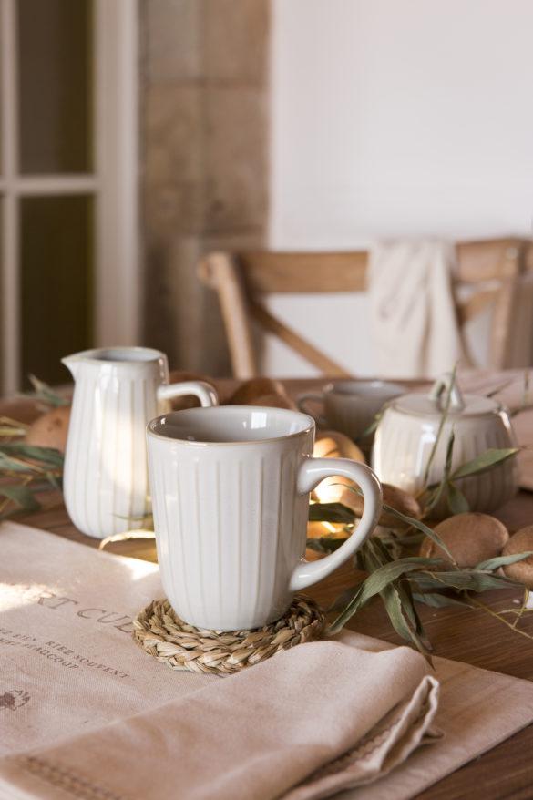 Tasse à thé avec filtre 320ml (6,99€) et pack 4 de sous-verres fibres naturellse (5,99€)