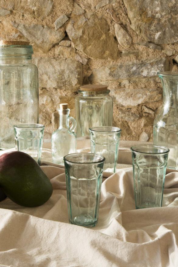 Huilier/vinaigrier en verre (2,49€) et pot en verre recyclé (à partir de 6,99€).